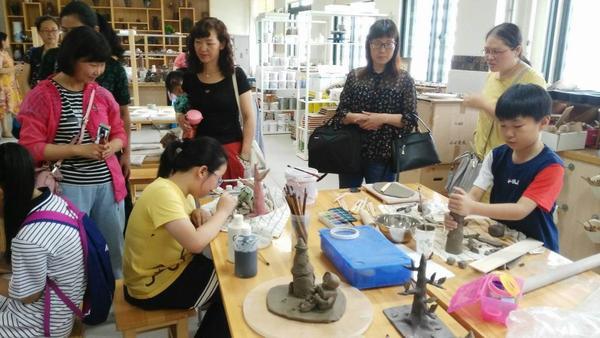 参观上海市中远实验学校社团活动课