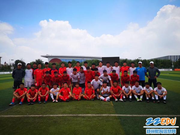 郑州九中与河南代表队全体合影