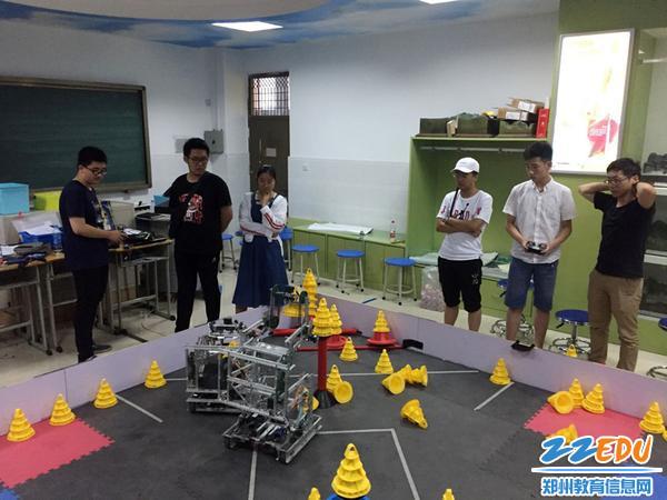 河南省赛前在郑州二中进行封闭集训
