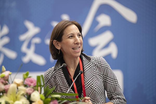 美国大学理事会赛琳娜·康托尔女士致辞