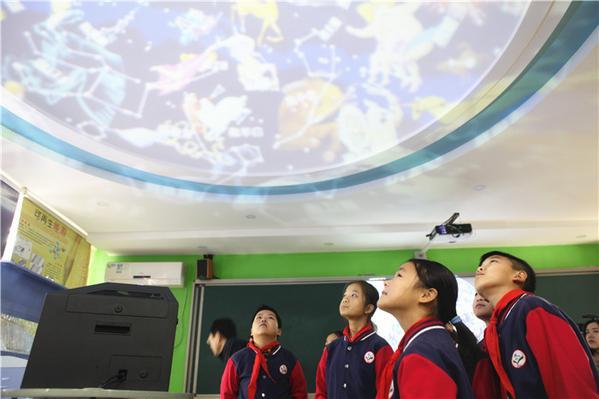 致敬改革开放四十年⑥:让小学满意,看郑州v小学档案管理人民图片