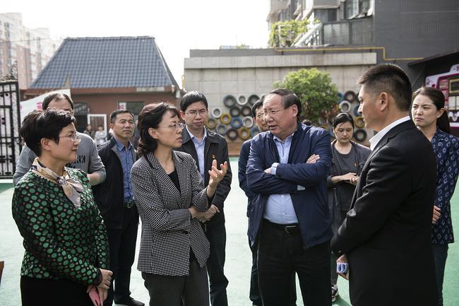 郑州市人民政府副市长孙晓红一行在管城区柏菲幼儿园调研