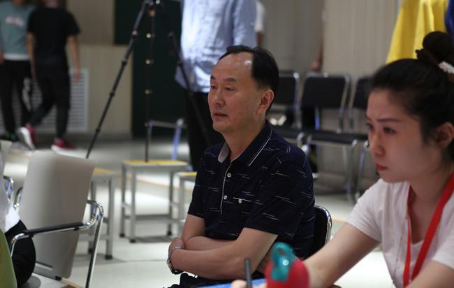 郑州市教育局成教室主任梁才现场观摩