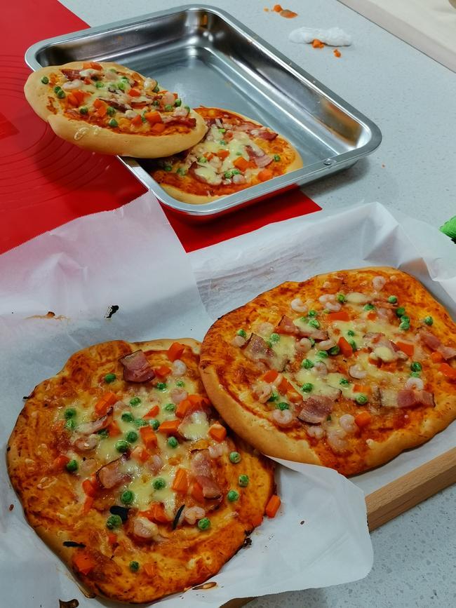 看我做的披萨