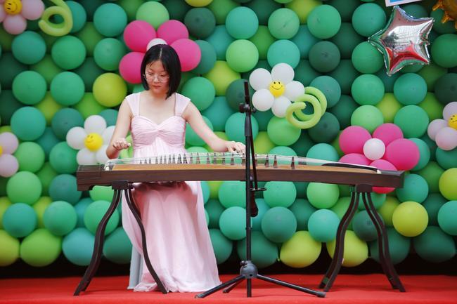 鲍雅凡古筝演奏《东风志》
