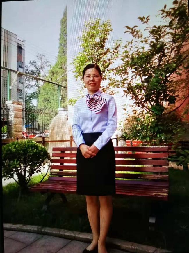 5 全国优秀教师、河南省特级教师、郑州市杰出教师,郑州市杰出教师工作室主持人王巧玲