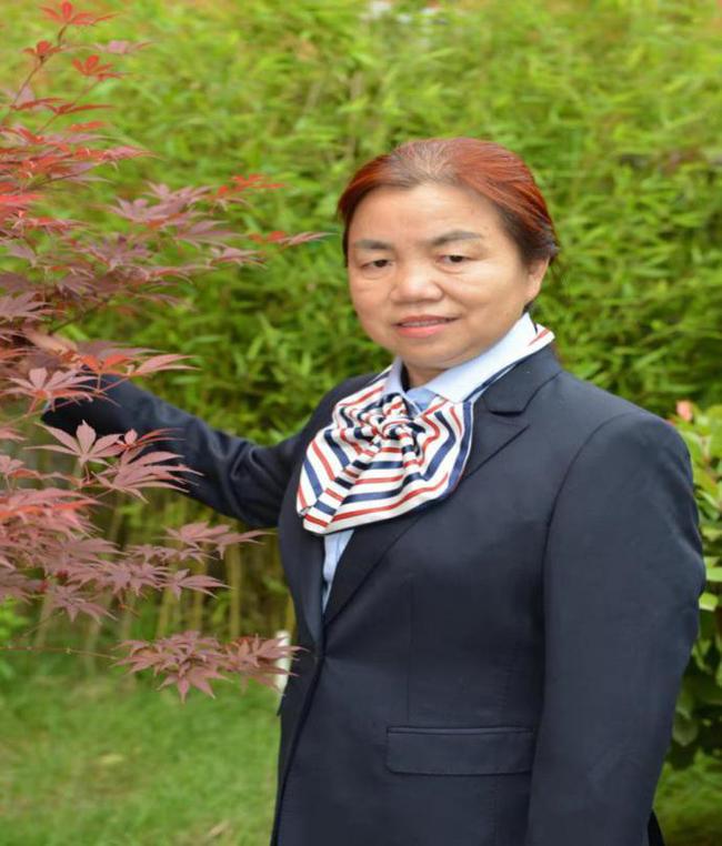 6 全国优秀教师刘炳英