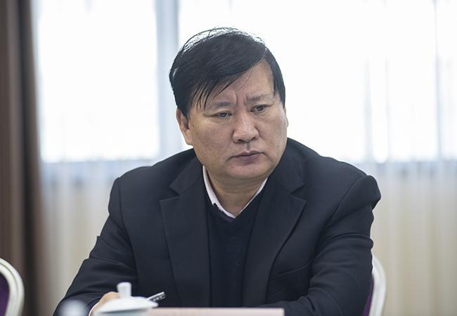 郑州市人民政府教育督导委员会副主任,市教育局党组书记、局长王中立参加会议。