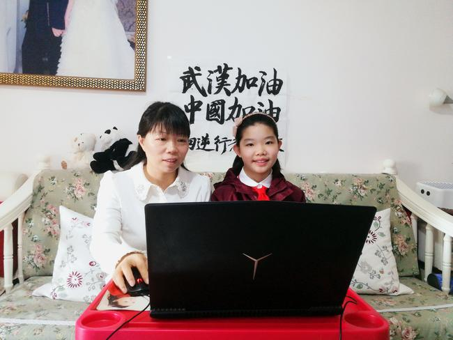"""3、聆听最美""""逆行者""""的感人故事_副本"""
