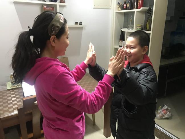 3奥尔夫直播培训中,老师和家人参加韵律活动