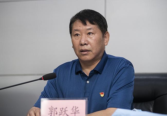 防溺工作领导小组副组长,赌钱斗牛在线玩党组成员、副调研员郭跃华对2019年预防未成年人溺亡工作进行了总结。